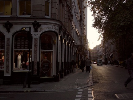 picadilly 02